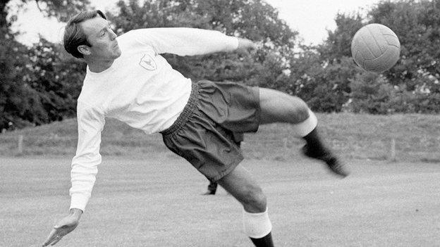 Jimmy Greaves training with Tottenham prior to the 1967 FA Cup final