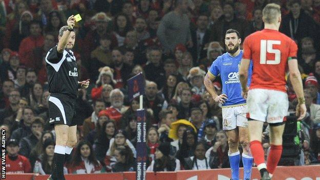Liam Williams is sent to the sin bin by referee Jerome Garces