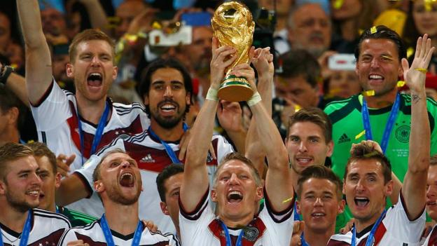 102010524 p06b00pk - This will rating you within the mood for the World Cup - BBC Sport's World Cup 2018 opener