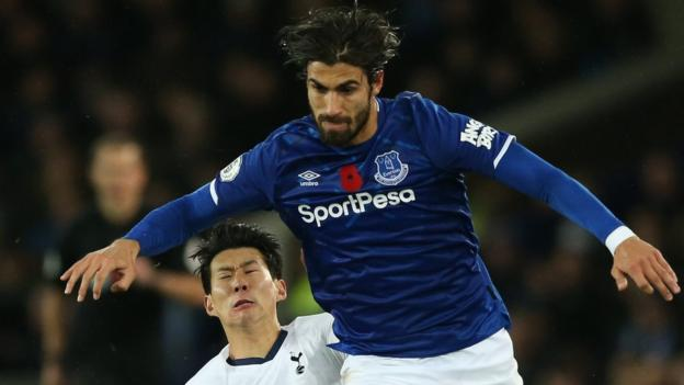 Andre Gomes: Everton midfielder suffers horrific leg injury thumbnail