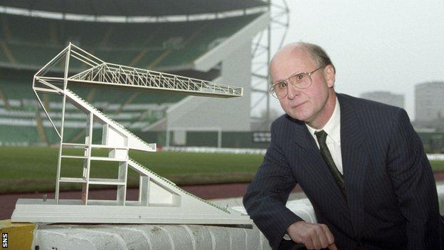 Fergus McCann with a model of a new Celtic stand