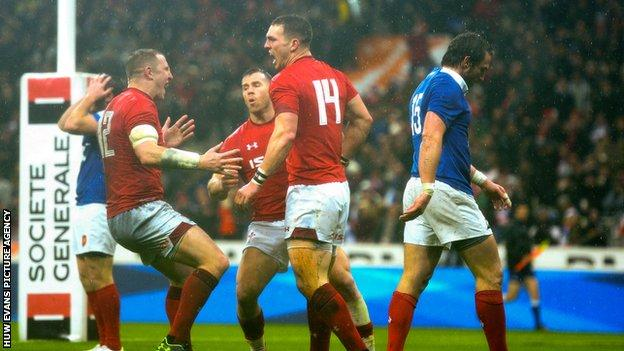 Hadleigh Parkes celebrates with George North in Paris in February 2019