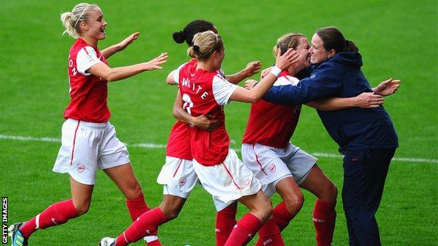 Harvey made her name in England as Arsenal Ladies coach