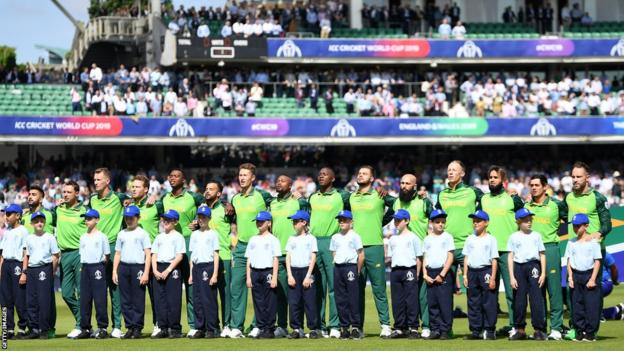 Lungi Ngidi (fifth from the left) was part of the South Africa team at the 2019 Cricket World Cup in England