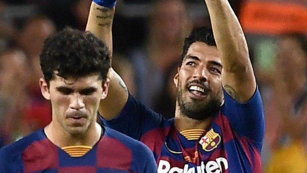 Barcelona 2-1 Arsenal: Pierre-Emerick Aubameyang scores in friendly defeat thumbnail