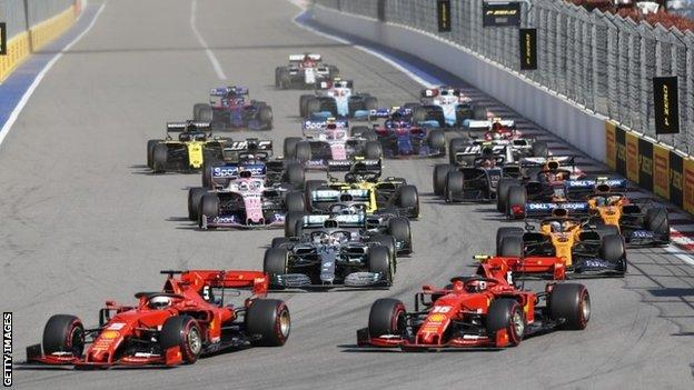 Cars at the start of a grand prix
