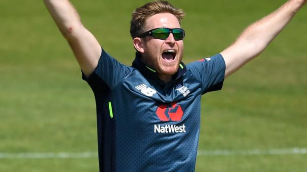 Cricket World Cup: Liam Dawson still in contention for England squad - Bayliss thumbnail