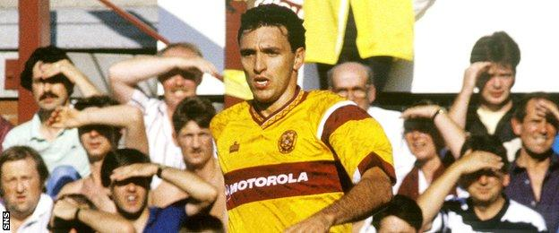Rob Maaskant playing for Motherwell in the 1990s