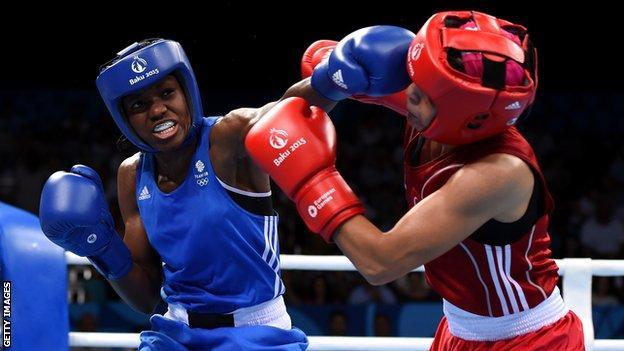Nicola Adams punches Elif Coskun