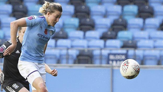 Ellen White scores her first goal for Manchester City