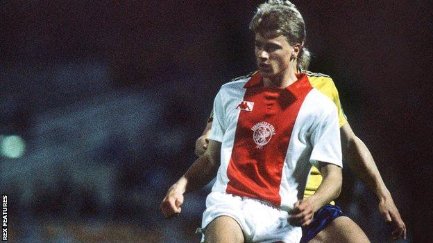 Dennis Bergkamp playing for Ajax at the age of 17