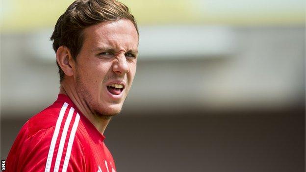 Danny Ward in goal for Aberdeen