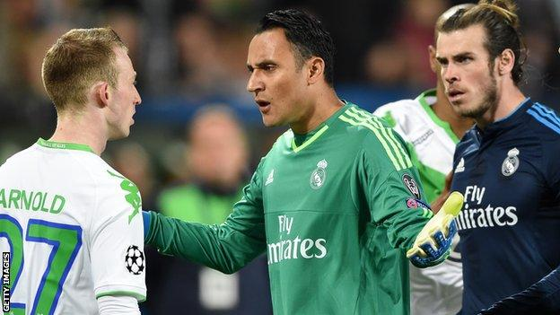 Both Wolfsburg's Max Arnold and Madrid's Gareth Bale were booked following Marcelo's playacting.