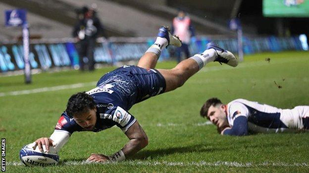 Denny Solomona scored his first try of the season