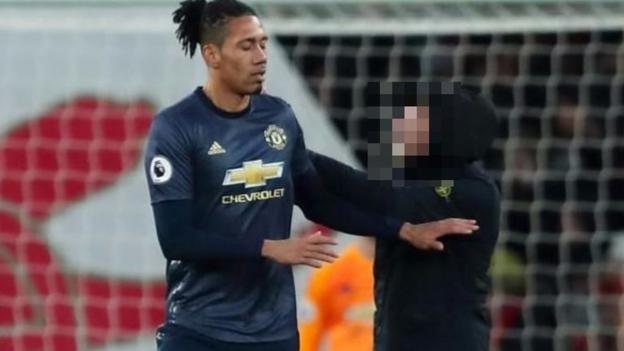Fan blurred face