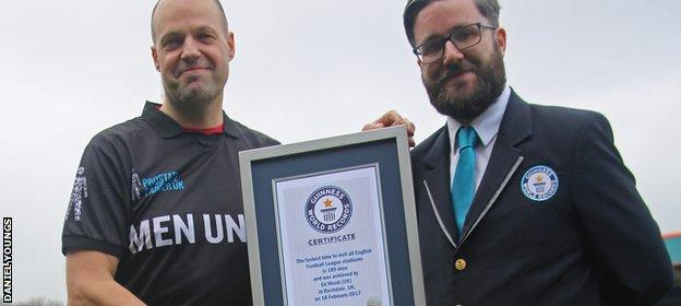 Ed Wood receives his world record certificate