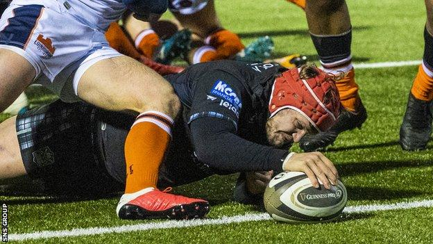 George Turner stretches to score Glasgow's crucial second try