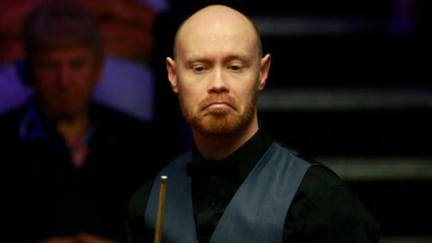 World Snooker Championship: Qualifier Gary Wilson beats Ali Carter to reach semi-final thumbnail