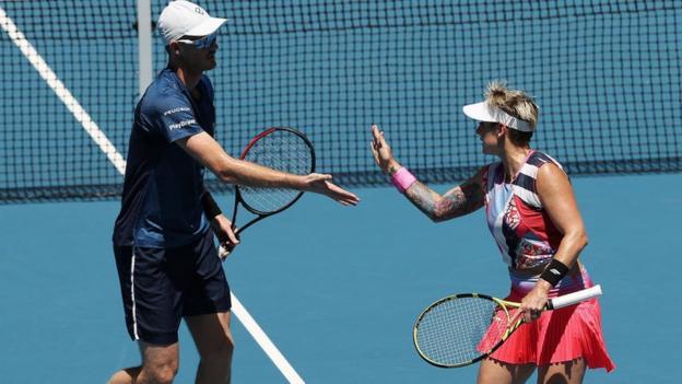 Murray & Mattek-Sands into mixed doubles semi-finals thumbnail