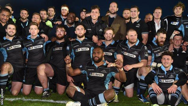 Leone Nakarawa takes centre stage in the post-match celebrations