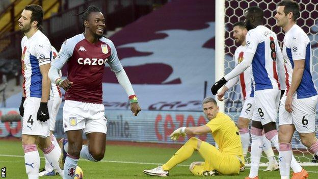 Ten-man Villa earn impressive win over Palace thumbnail