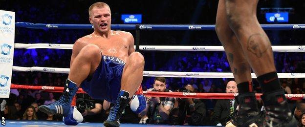 Vyacheslav Glazkov twists his knee fighting Charles Martin