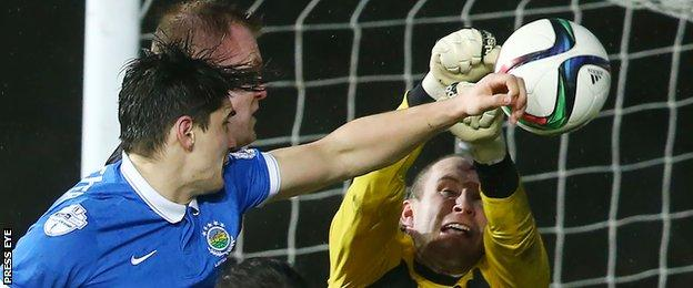 David Kee's corner went in off keeper Sean O'Neill to put Linfield 2-0 up