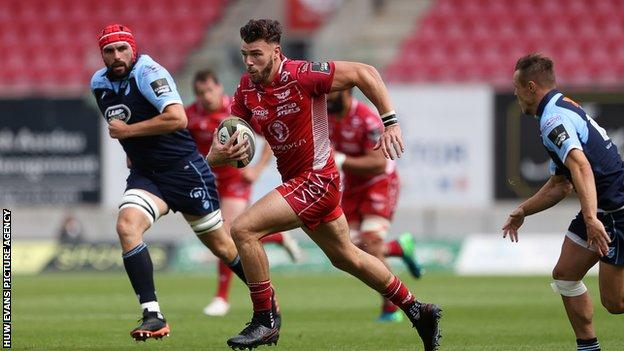 Johnny Williams played for England in an uncapped match against Barbarians so remains available for Wales