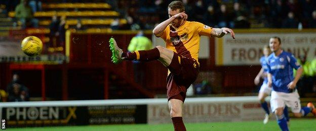 Stephen Pearson scored for Motherwell