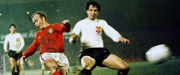 Arfon Griffiths scores Wales' winner against Austria in 1975
