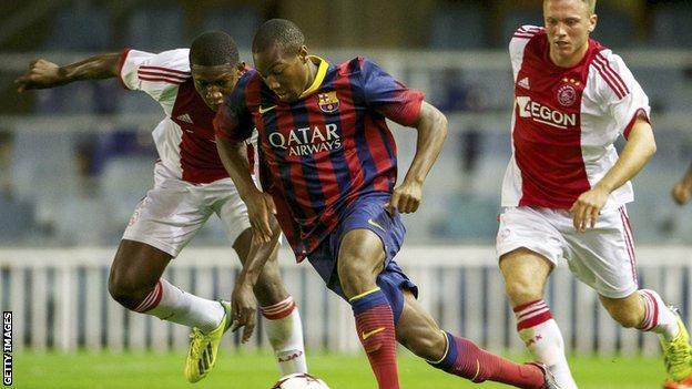 Adama Traore playing for Barcelona