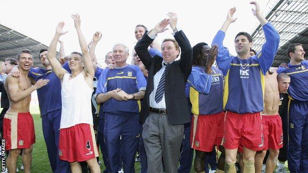 Portsmouth celebrate avoiding Premier League relegation in 2006
