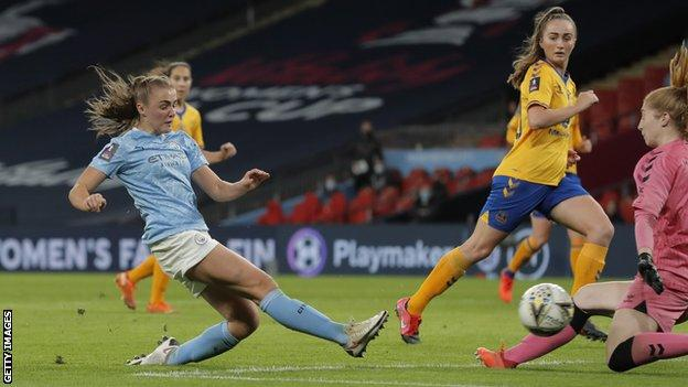 Georgia Stanway scores a goal for Manchester City