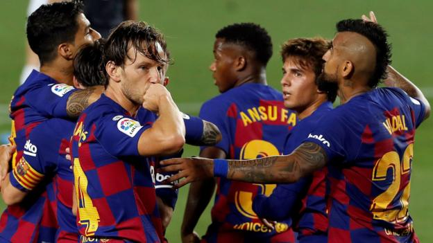 Barcelona 1-0 Athletic Bilbao: Ivan Rakitic goal sends Barca top of table thumbnail