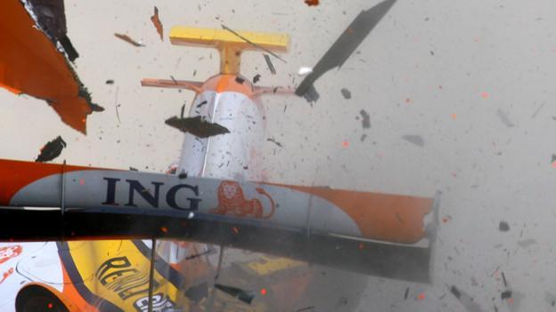 Formula 1 testing: When testing gets... testing