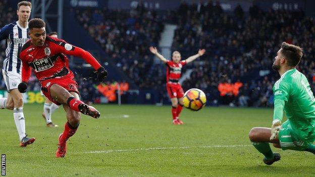 Steve Mounie scores for Huddersfield