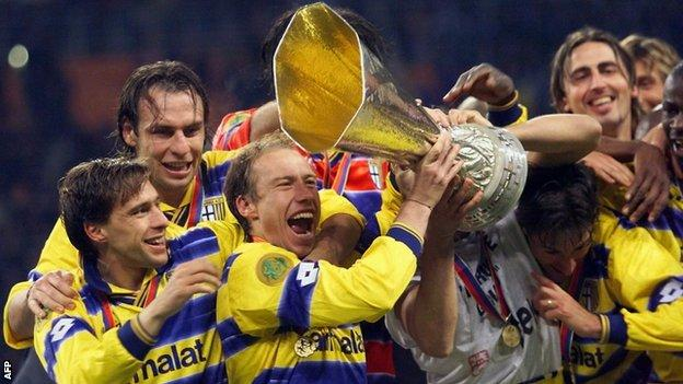 Parma winning the Uefa cup in 1999