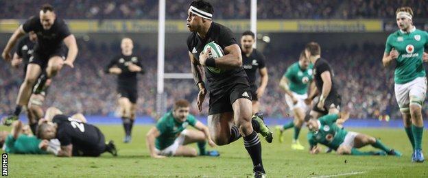 New Zealand's Malakai Fekitoa scores a try against Ireland
