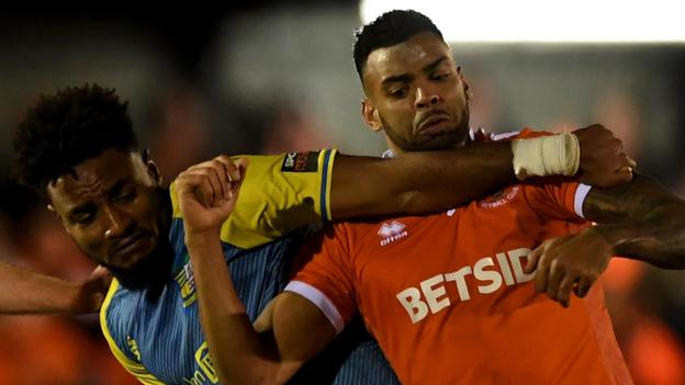 Solihull Moors 0-0 Blackpool: Non-league side into third-round draw thumbnail