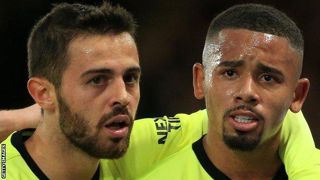 Manchester City çifti Bernardo Silva ve Gabriel Jesus