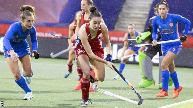 Fiona Crackles goes forward for GB