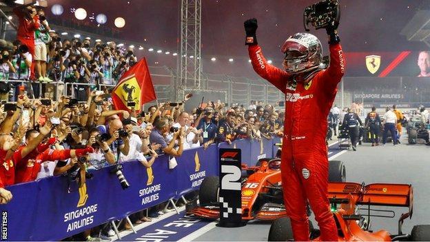 Sebastian Vettel wins the Singapore Grand Prix