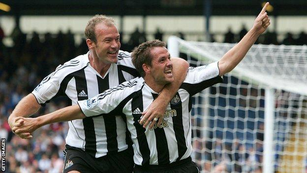 Alan Shearer (left) and Michael Owen (right) were teammates at Newcastle United before Shearer had a brief spell as interim manager
