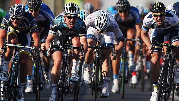 Mark Cavendish sprints to victory on stage three of the Tour of Qatar, 2013