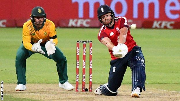 Jonny Bairstow and Quinton de Kock in the first T20 between South Africa and England