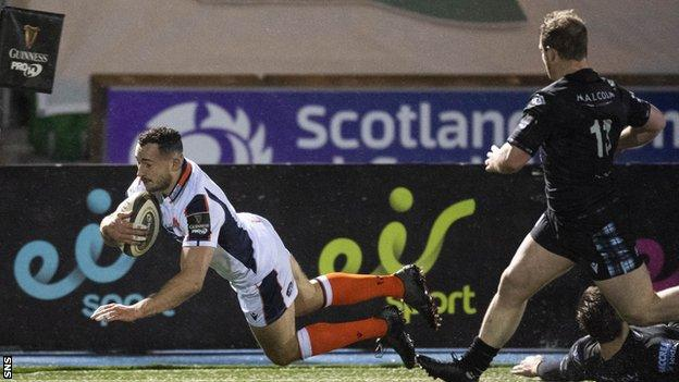 Edinburgh's Jamie Farndale scored the only try of the first half