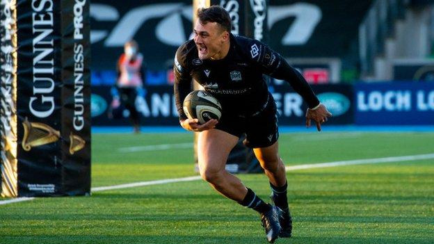 Cole Forbes scores a try for Glasgow Warriors