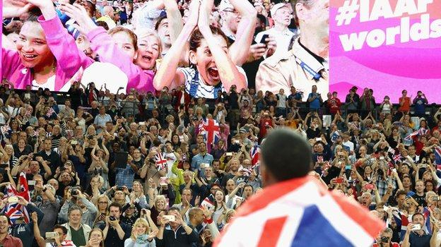 Crowds at London 2017