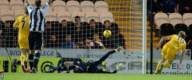 Alex Samuel scores for Morton