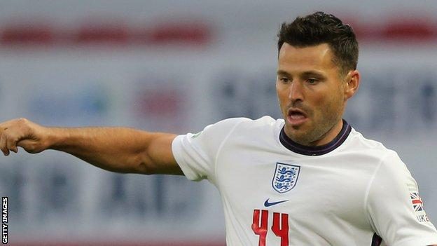 Mark Wright Crawley Town Re Sign Tv Presenter And Reality Tv Star On Non Contract Basis Bbc Sport